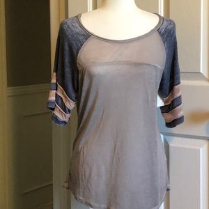 Distressed baseball  t-shirt Bke The Buckle small